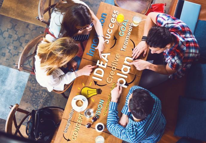 Corporate Identity: Die Mitarbeiter sollen sich mit dem Unternehmen und dessen Zielen identifizieren können.