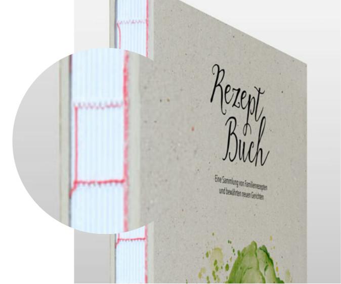 Recycling-Karton und offener Buchrücken
