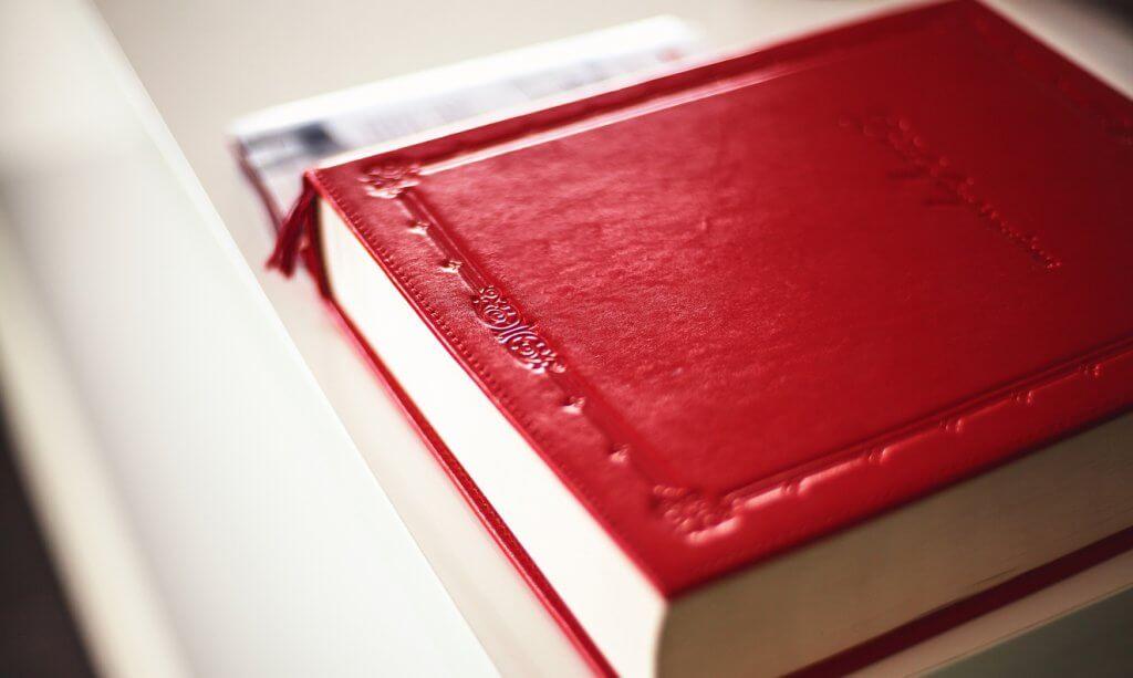 rote Festschrift.