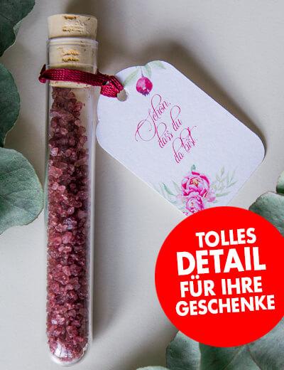 Geschenkanhaenger abgerundet Detail Weihnachten Geburtstag Hochzeit