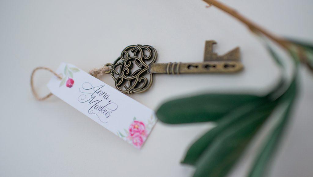 Hochzeit, Brautpaar, Schlüssel, Blumen, floral, greenery, Natur