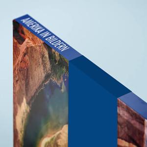 Hardcover mit Banderole und Rillung für saubere Kante