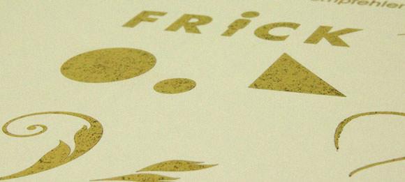 Beispiel für Heißfolienprägung: Gold Antik Veredelung auf gelblichweißen Designkarton MunkenPure