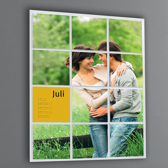 Fotokalender aus zwölf Schachteln und Bilderrahmen